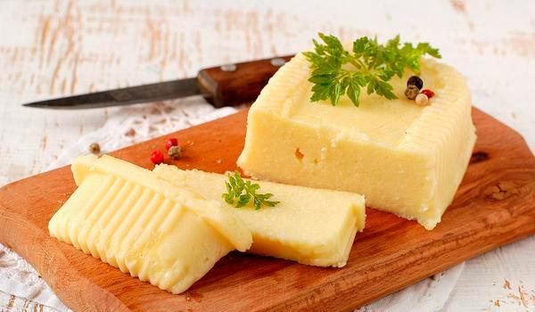 Adige peynirinin kalorili içeriği ve beslenme beslenmesindeki faydaları 19